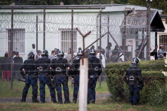 Menekülttábor - Magyarország, 2015